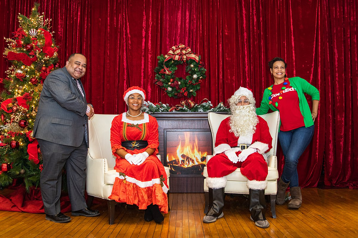2019 Holiday Outreach Event in AustinRachel Bires Photography
