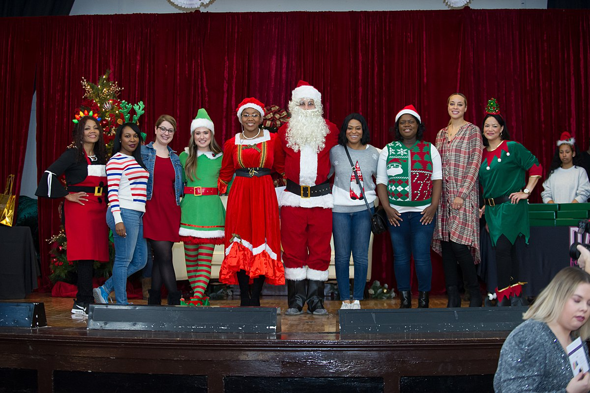 2019 Holiday Outreach Event in AustinSonya Martin Photography