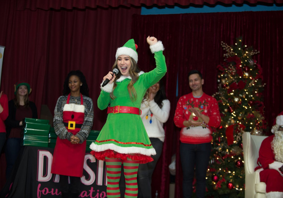2019 Holiday Outreach Event in EngelwoodSonya Martin Photography
